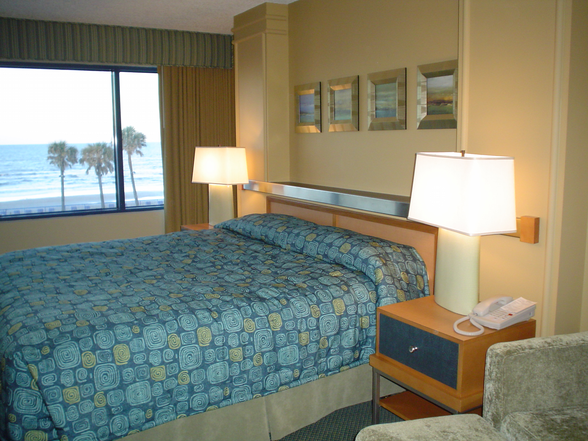 DSC04057 Daytona Beach RegencyGUEST ROOMS 1